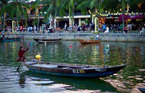 実はベトナムも一党独裁の共産主義だということをはじめて知りました。